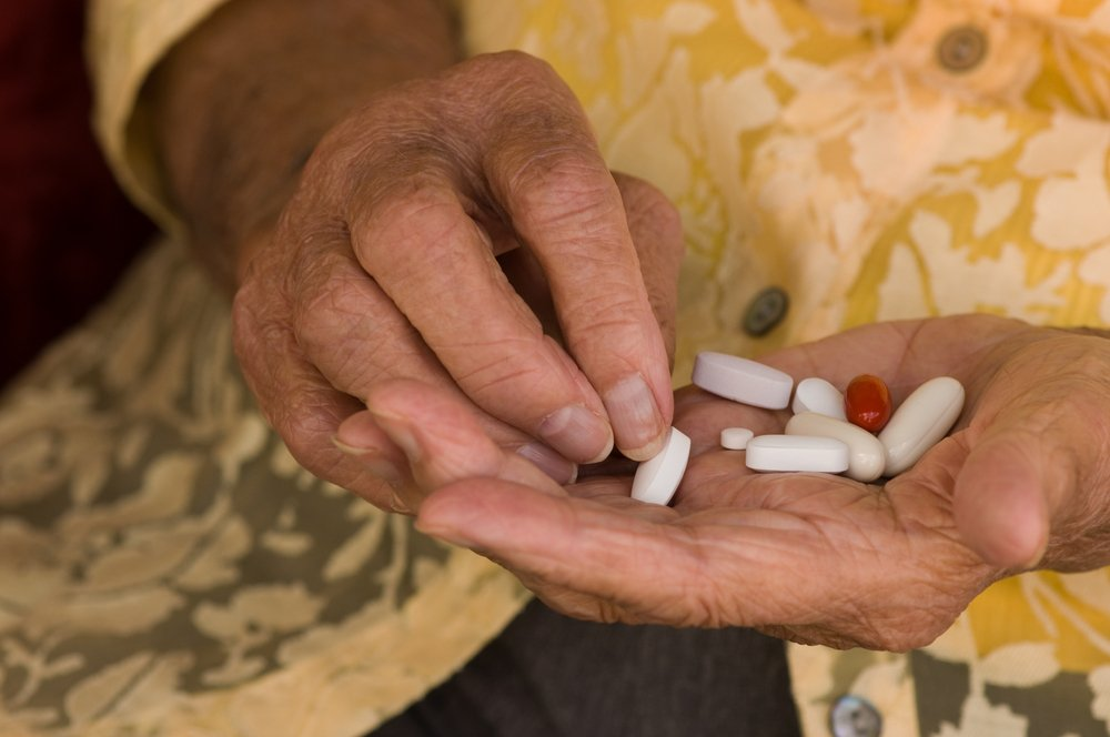 6 Tips for Helping Seniors Manage Medication