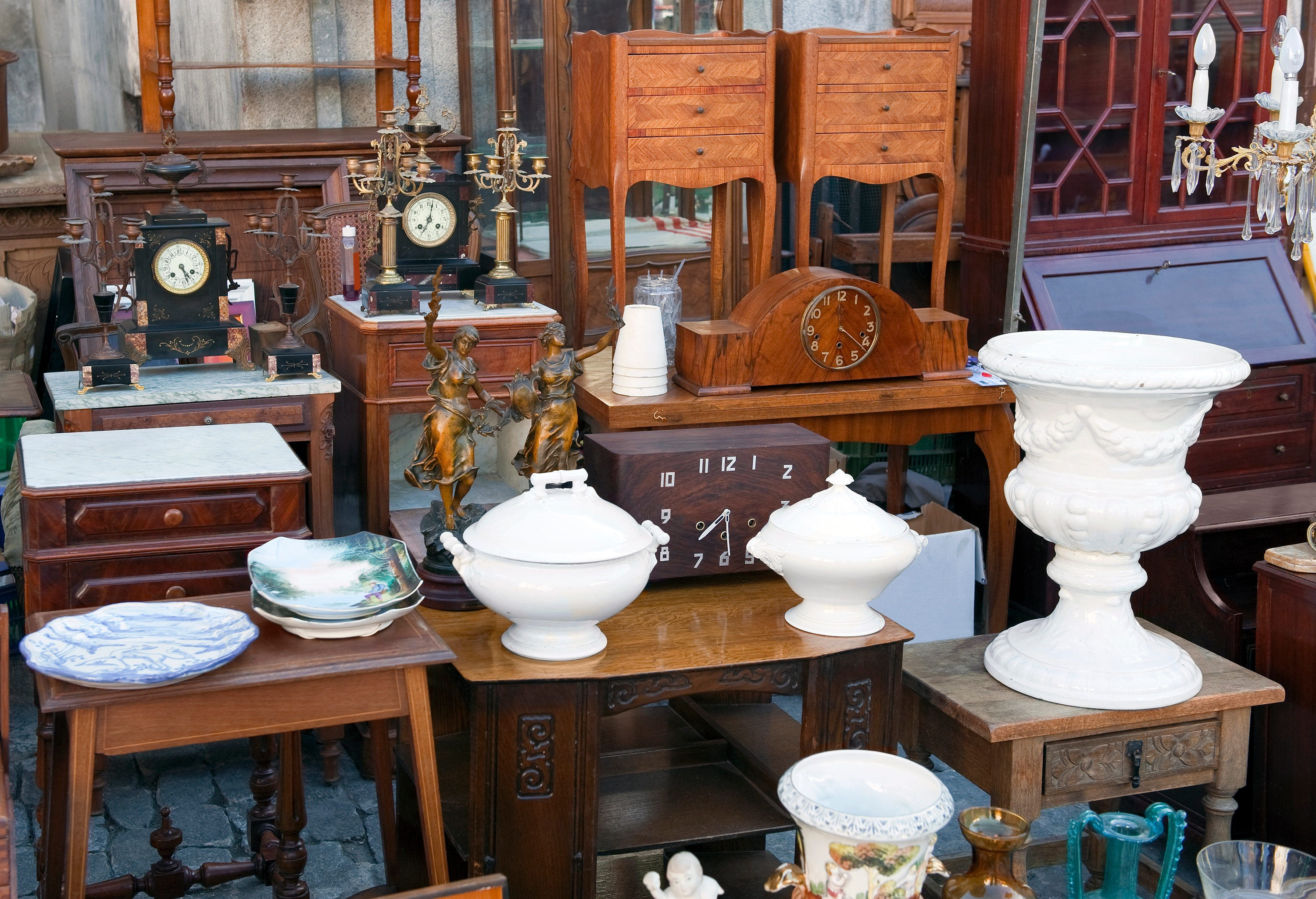 How It Works: Pros and Cons of Estate Sales